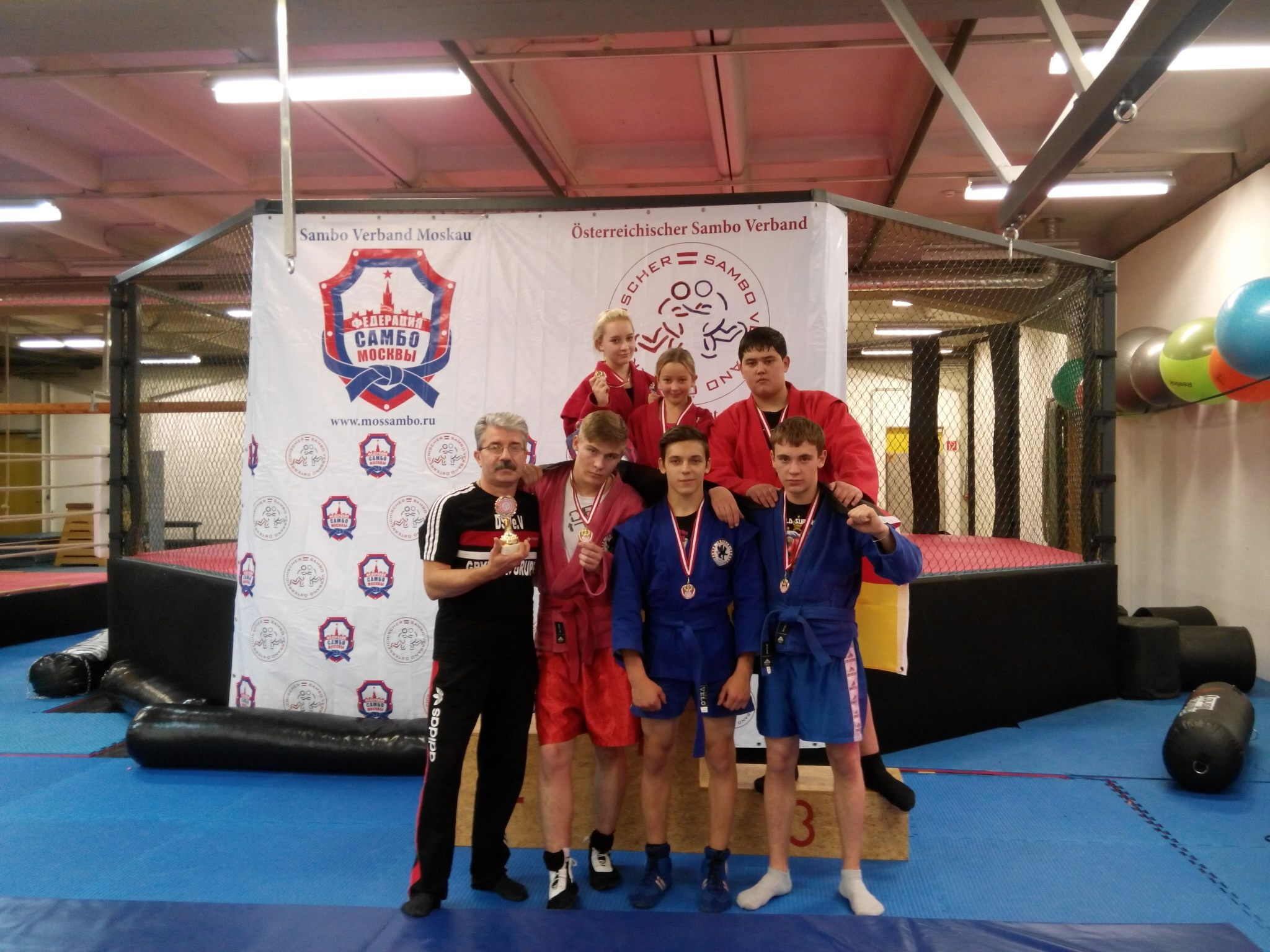 Sieger-Gruppe Gryphon -Berlin. 5 golden und 1 silber Medallien-